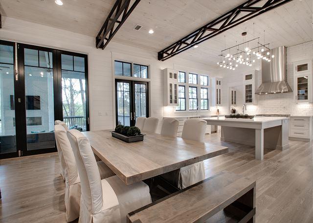 First FloorL Dinning Area