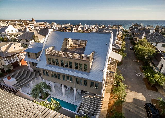 Roof Top Entertainment Deck