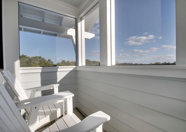 Fourth Floor: Screened in Porch