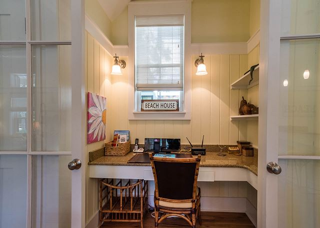 First Floor: Office Nook