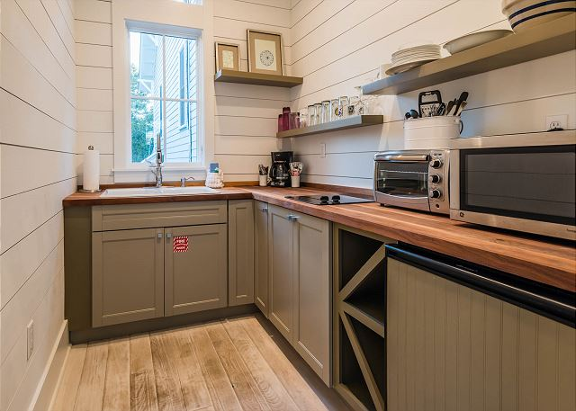 Carriage House Kitchenette