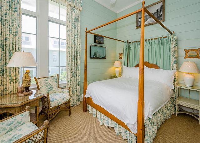 2nd Floor 1st Queen Bedroom