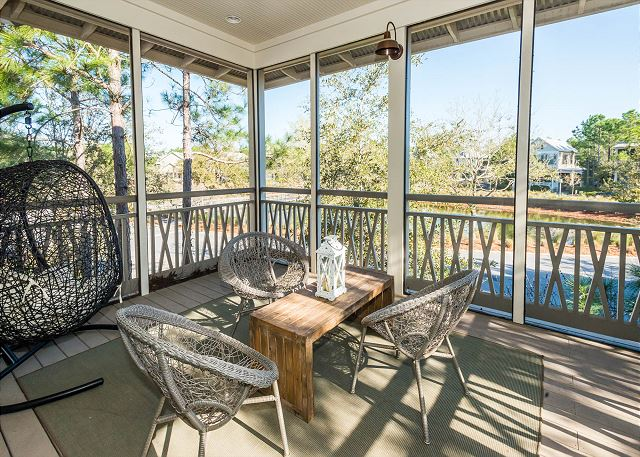 Carriage House Screened Porch