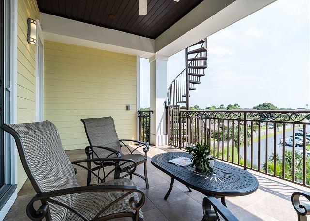 Third Floor: Balcony