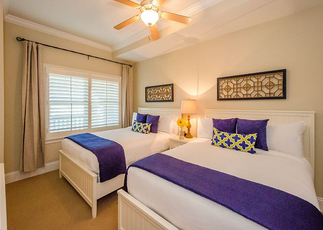 Guest Bedroom: Two Queen Beds