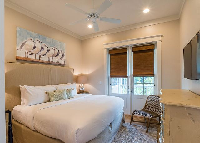 Carriage House: Bedroom