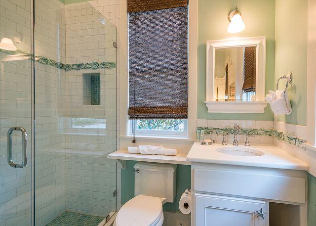 First Floor: Guest Master Bathroom