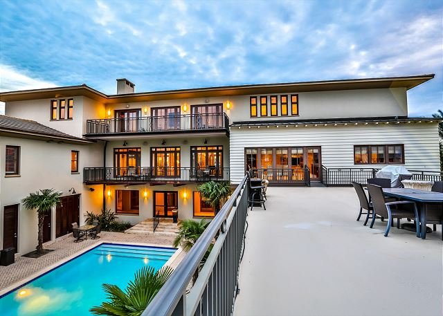 Second Floor: Large deck with 2 grills overlooking the lagoon