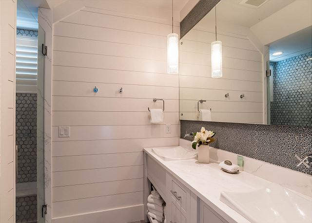 Carriage House Bathroom