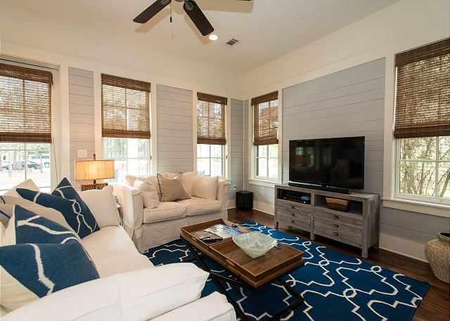 Living Area, First Floor