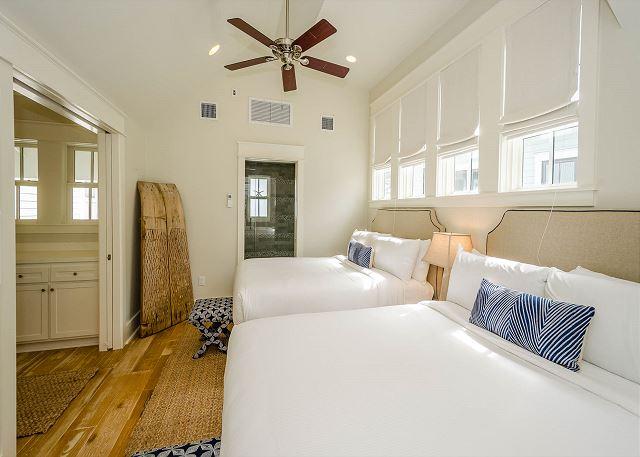 Second Floor: Double Queen Bedroom