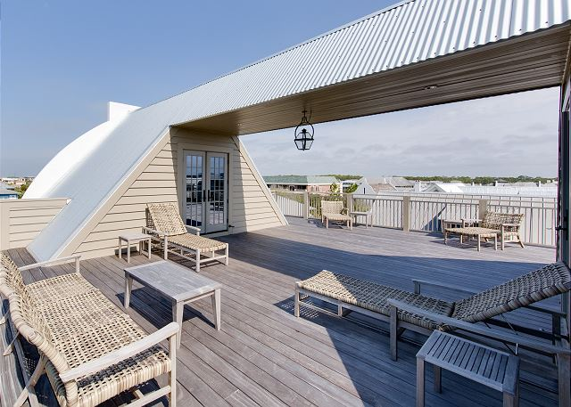 Fourth Floor: Rooftop Deck