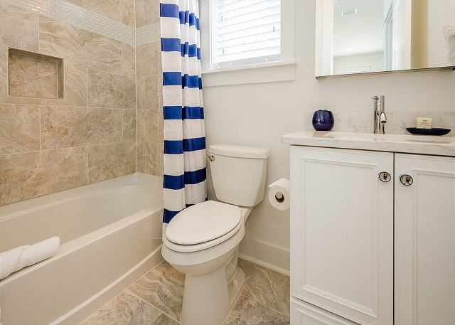 Carriage House: Bathroom