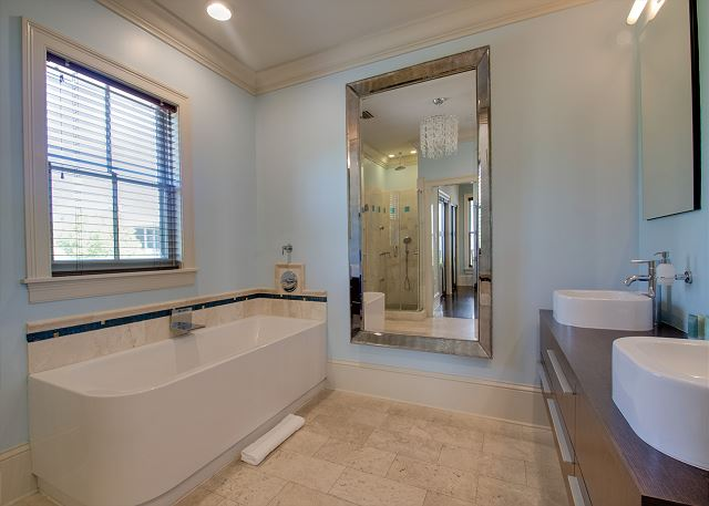 Second Floor: Master Bathroom