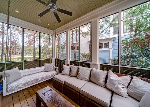 First Floor: Screened in Porch
