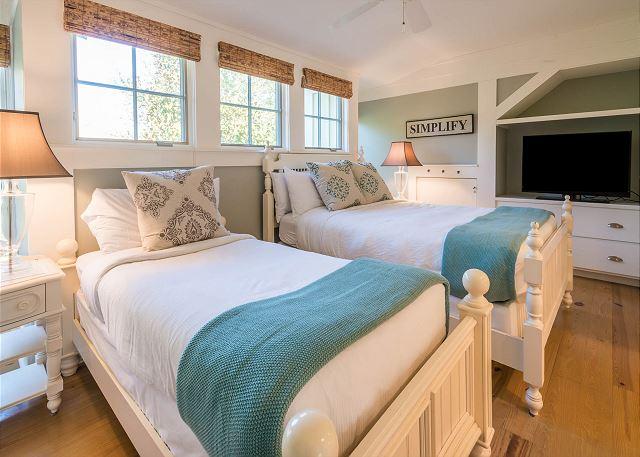 Second Floor: Twin Bedroom