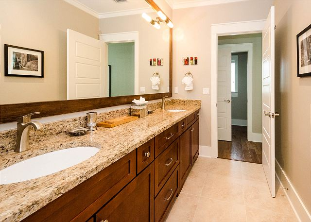Fourth Floor: Master Bathroom