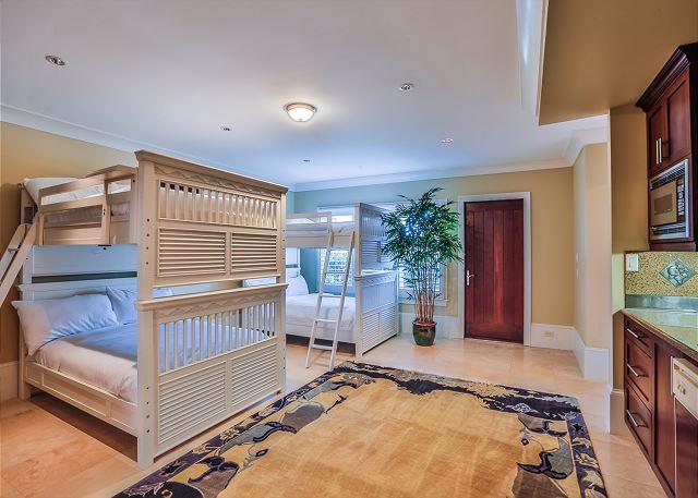 First Floor: 2 Full Over Full Bunk Beds