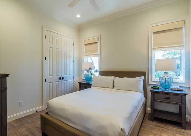 Carriage House: Guest Bedroom