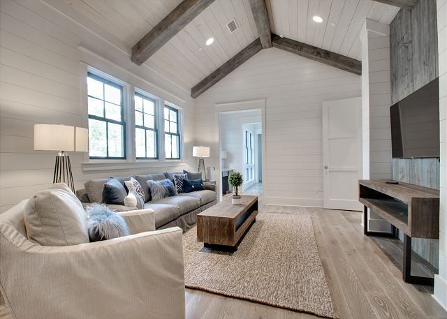 Second Floor: Second Living Area