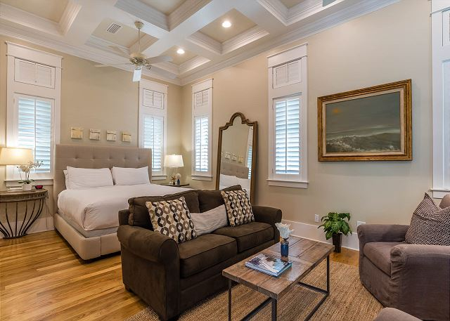 Carriage House: King Bed and Living Space