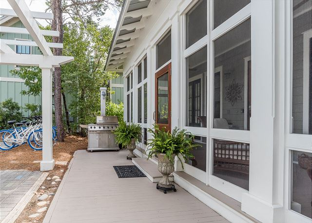 Pack Porch with Propane Grill