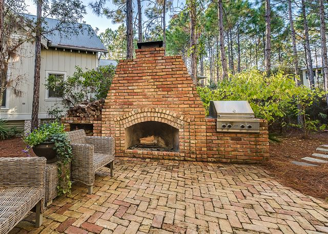 Outdoor Fireplace and Grill