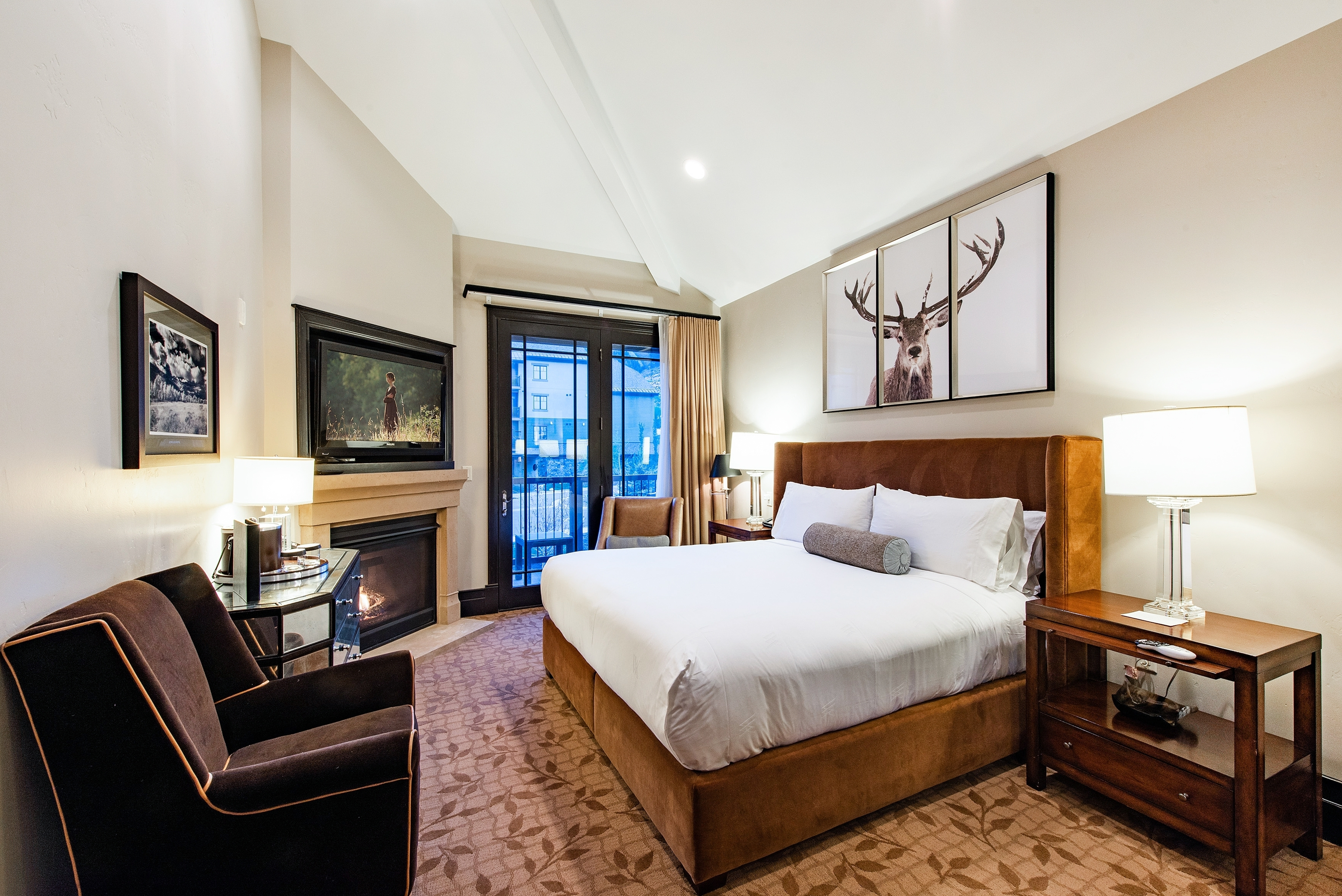 Lavish Hotel Room w/King Bed and Fireplace