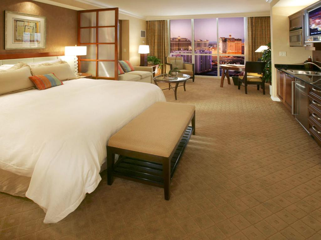Luxurious King Suite at the Signature at MGM Grand