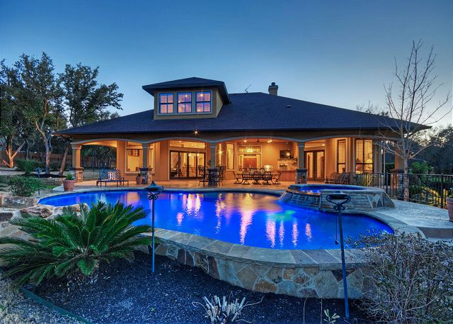 Vacation rentals in austin tx professionally managed for Austin cabin rentals