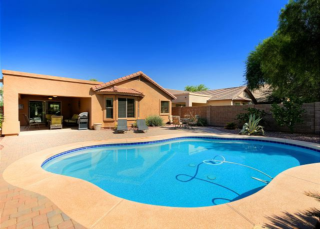 Exceptional phoenix az vacation rentals turnkey for Az cabin rentals with hot tub