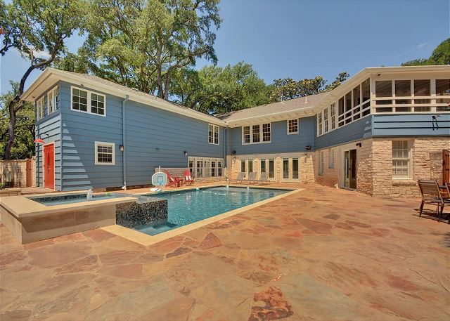 Austin TX Vacation Rental With a sparkling