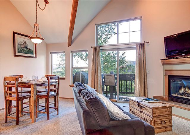 Frisco CO Vacation Rental Open-concept living with