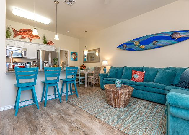 Corpus Christi TX Vacation Rental Bright blue decor
