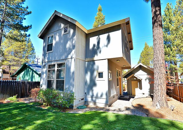 South Lake Tahoe CA Vacation Rental Private, fenced backyard.