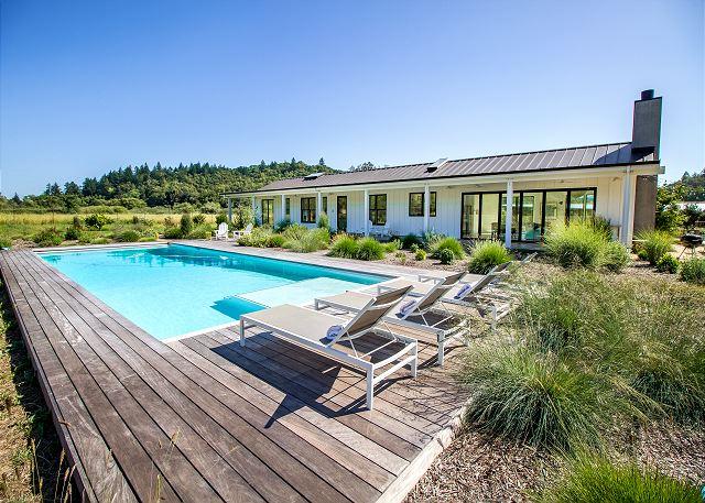 Kenwood CA Vacation Rental Lounge or take