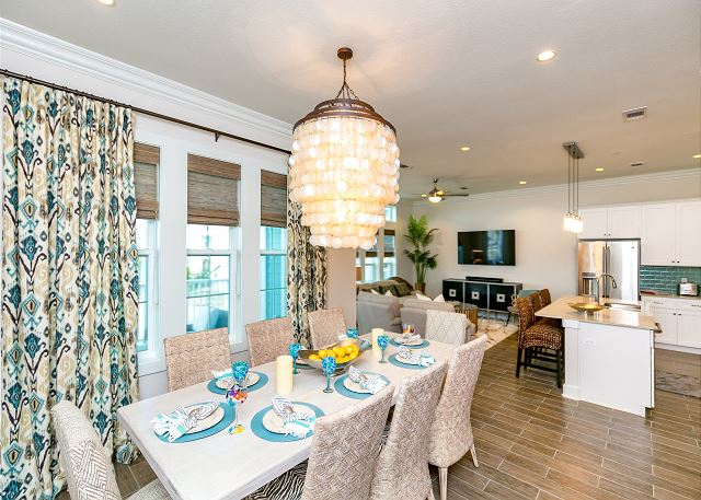 Port Aransas TX Vacation Rental A striking chandelier