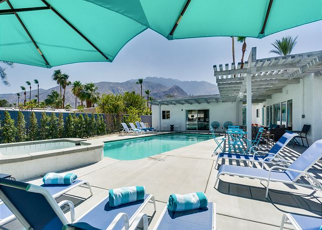 Palm Springs CA Vacation Rental Pool and hot