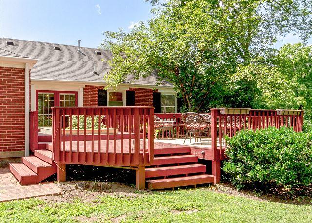 Nashville TN Vacation Rental Ample deck space