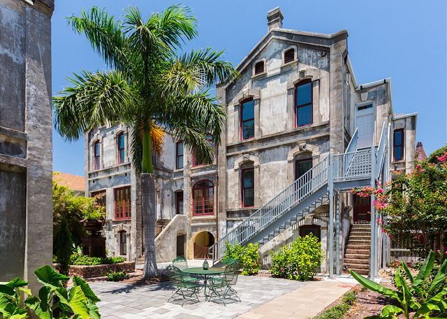 Galveston TX Vacation Rental This beautifully landscaped