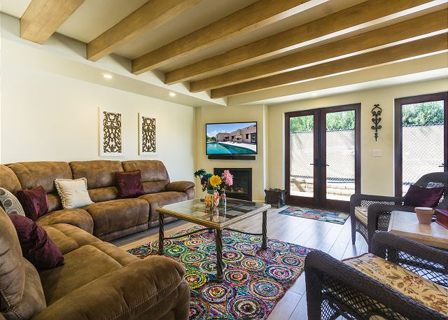 Palm Springs CA Vacation Rental Banks of windows