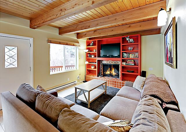West Vail Condo with Shared Hot Tub