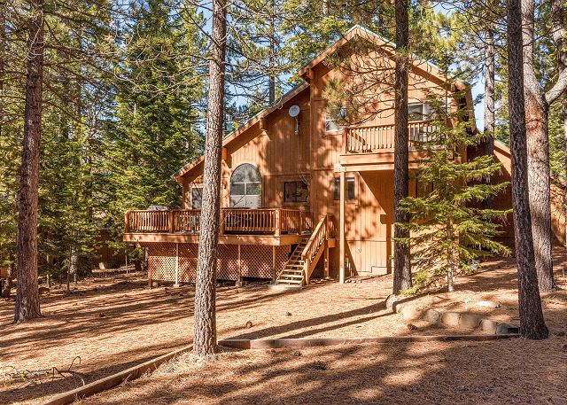 Truckee CA Vacation Rental Lots of tall