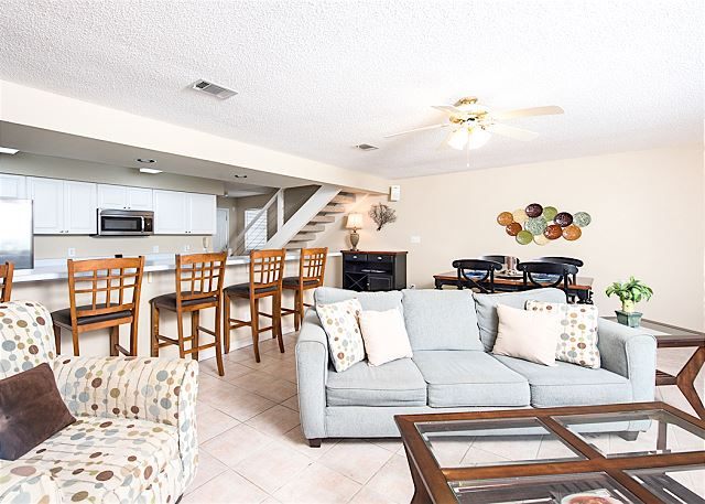 Orange Beach AL Vacation Rental A sleeper sofa