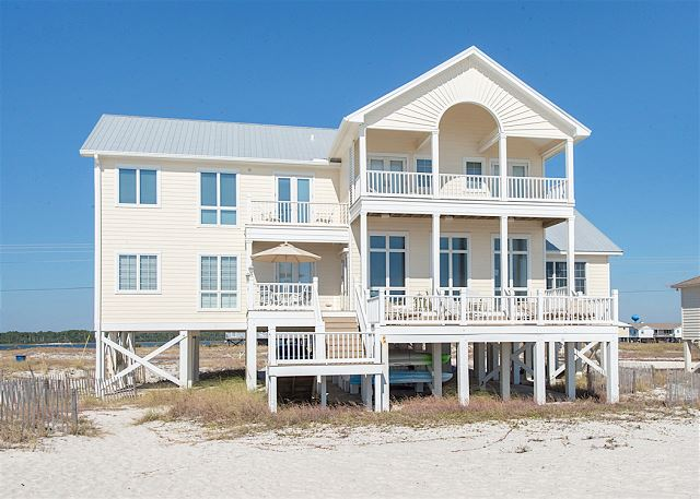 Gulf Shores AL Vacation Rental This home features