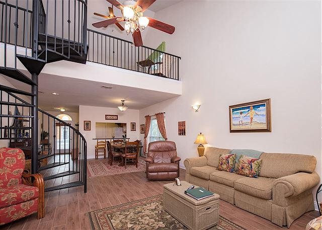 Pensacola FL Vacation Rental Large open area