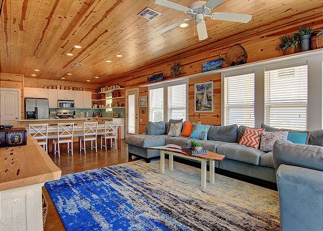 Port Aransas TX Vacation Rental Open-plan living room,