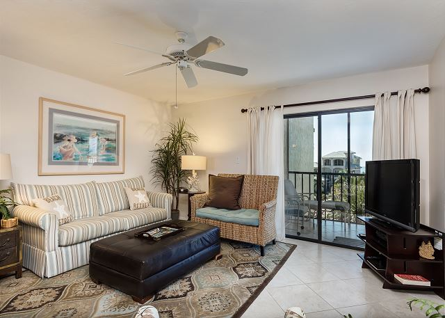 Fort Myers Beach FL Vacation Rental The pull-out sofa