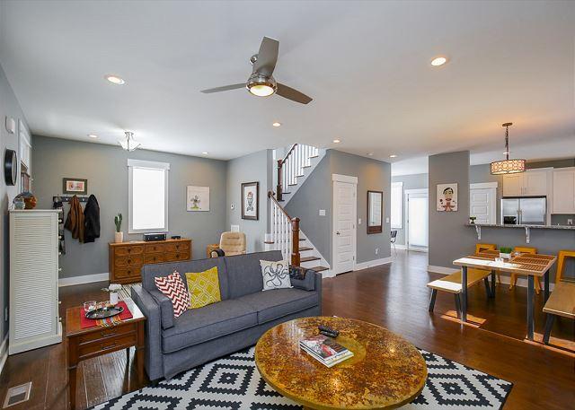 Nashville TN Vacation Rental Open-plan living room