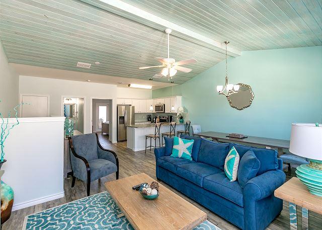 Port Aransas TX Vacation Rental Hardwood floors and